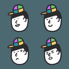 4色ぼうしの男の子