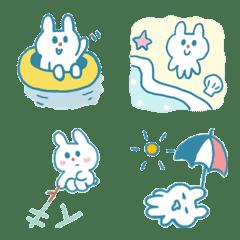 ちいさな青いウサギと夏の海