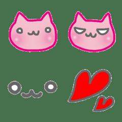 ピンクの顔ねこ