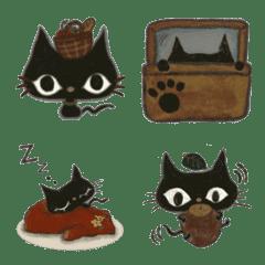 北欧の森カフェの黒猫さん