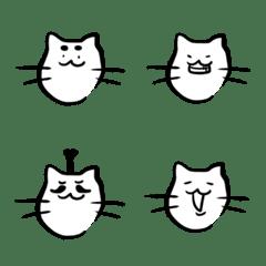 白ネコちゃんの表情1